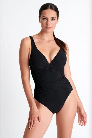 Classic one-piece bathing suit