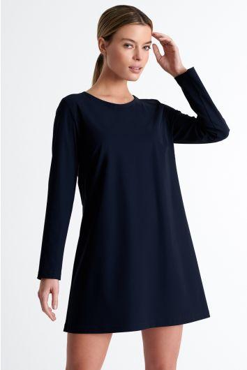 Classic round neck dress