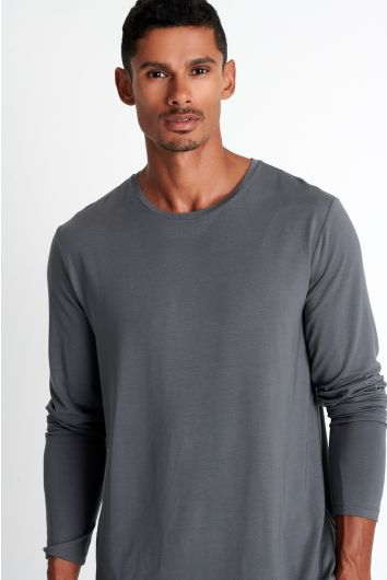 Soft round neck long sleeve shirt